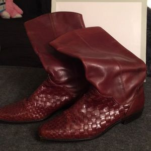 Beautiful low heeled boots